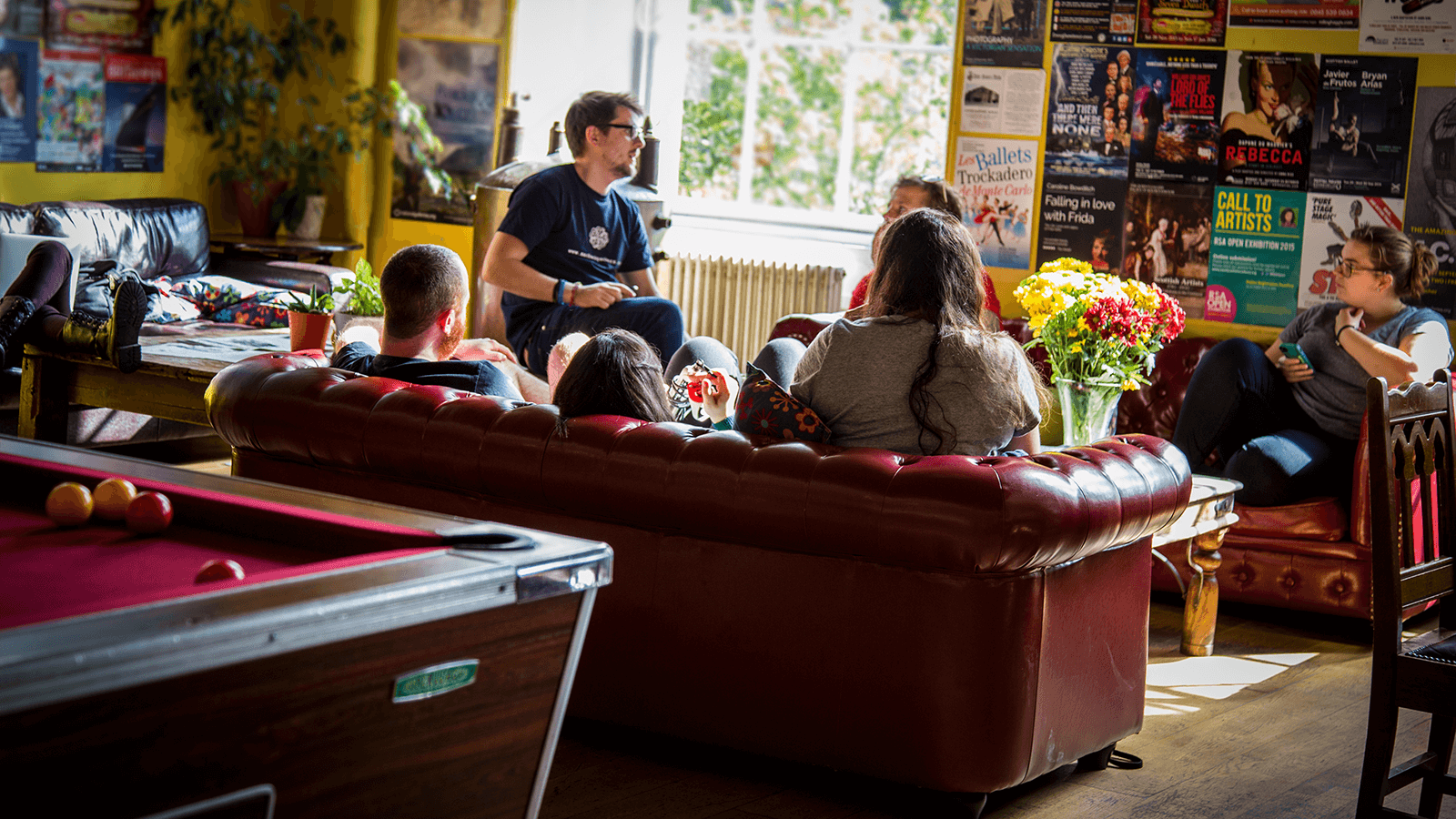 Our main lounge has a pool table, comfortable sofas, free tea and coffee and it's the perfect place to socialise and meet people.